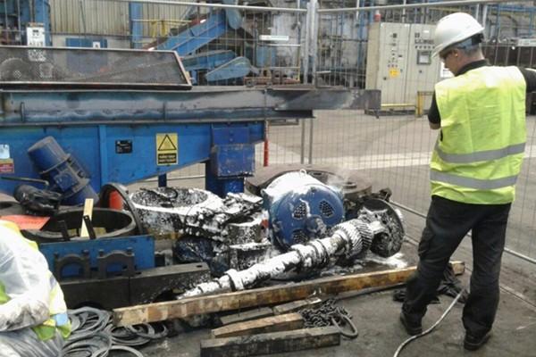 Ipari gyártósorok, gépvárak, kemencék vegyszeres habtechnológiával történő tisztítása